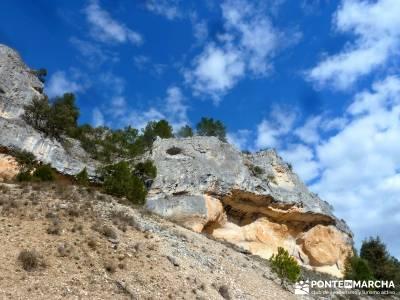 Cañón Río Lobos; pistas y senderos; bastones para senderismo;beneficios para la salud